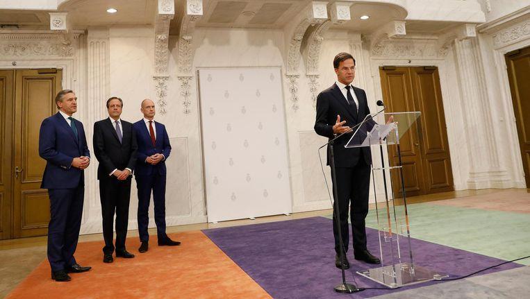 Het nieuwe kabinet met fractieleiders Sybrand Buma, Alexander Pechtold, Gert-Jan Segers en Mark Rutte. Beeld anp