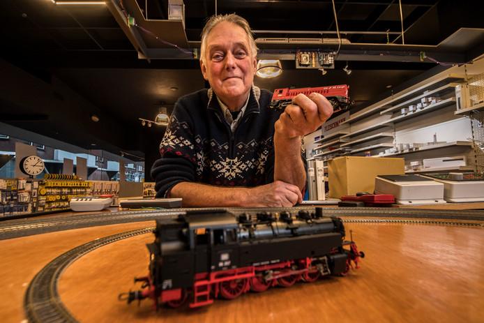 Barry Somberg trekt op 21 december de deur van zijn modelspoorzaak definitief dicht.