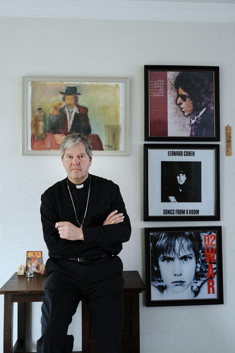 Hulpbisschop Rob Mutsaerts. Beeld Merlin Daleman