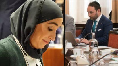 """Hafsa El-Bazioui: """"Blijkbaar heeft N-VA haar standpunt over het dragen van religieuze symbolen bijgesteld"""""""