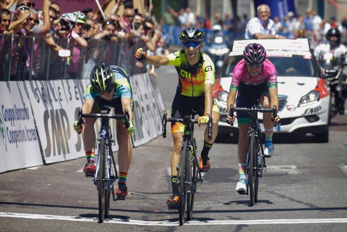 Letizia Borghesi komt als eerste over de streep.