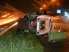 Tractor gekanteld na aanrijding, A4 bij Roelofarendsveen afgesloten
