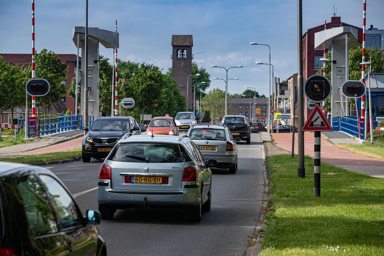 De Nagelerweg in Emmeloord voert de lijst aan van onveilige wegen in Flevoland, volgens een analyse van verkeerskundig ICT-bureau VIA.
