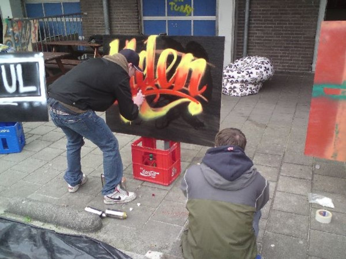 kleurplaten nl kleurplaat graffiti naam