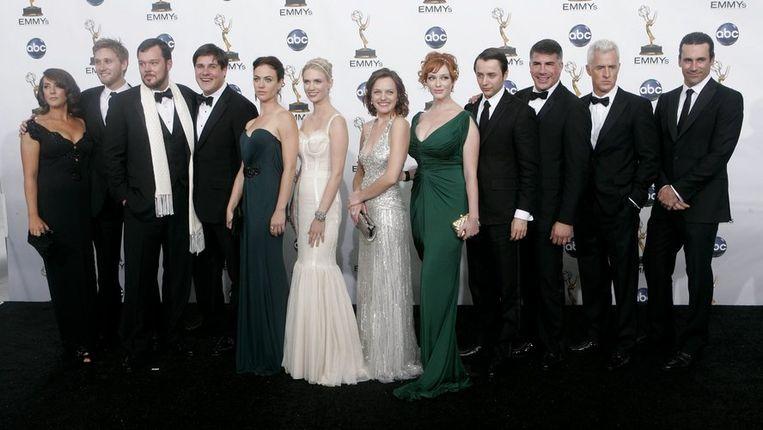 De cast van winnaar 'Mad Men' bij de Emmy's in Los Angeles. Foto AP/Reed Saxon Beeld