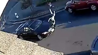 VIDEO. 7-jarig meisje aangereden en in de lucht gekatapulteerd