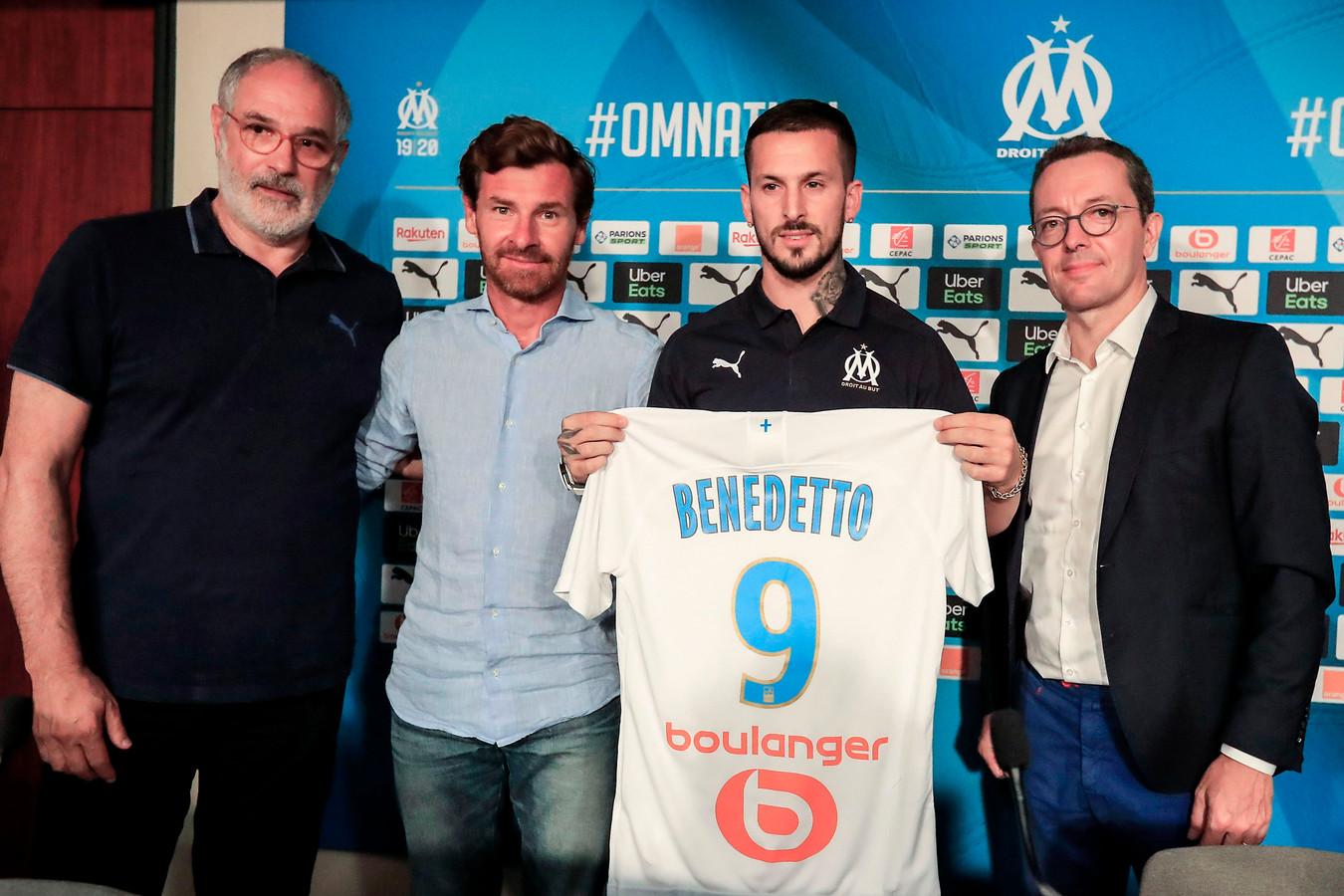 Van links naar rechts op de foto: technisch directeur Andoni Zubizarreta, hoofdtrainer André Villas-Boas, aanwinst Darío Benedetto en voorzitter Jacques-Henri Eyraud.