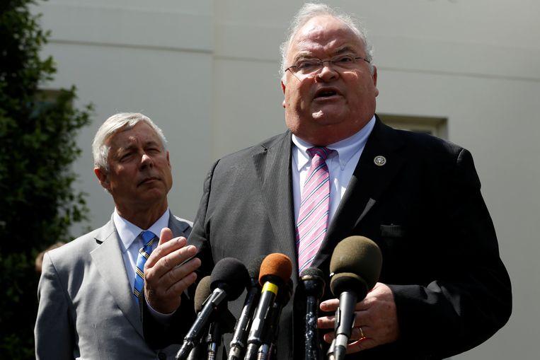 Fred Upton (links) en Billy Long tijdens een persconferentie. Beeld reuters