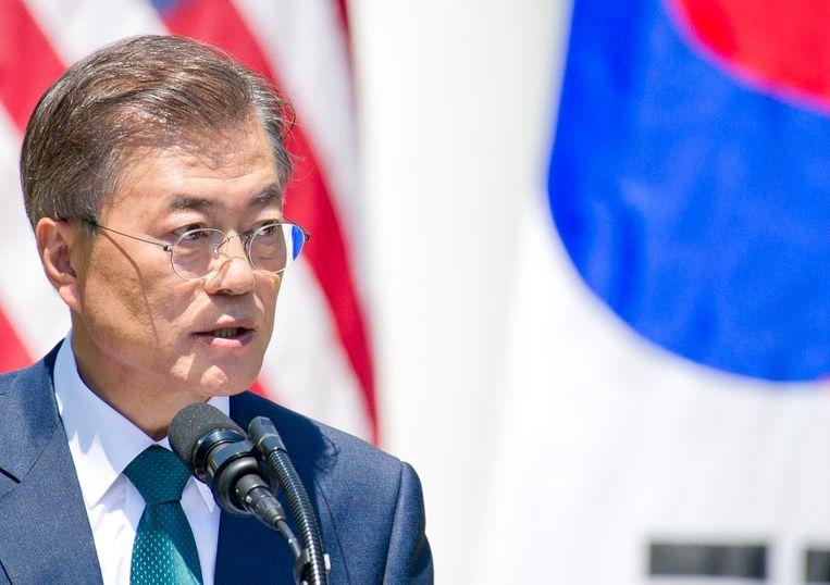 Zuid-Koreaans president Moon Jae-in heeft met Amerikaans president Donald Trump gepraat over het gebruik van sancties en drukmiddelen om de nucleaire- en raketproblemen rond Noord-Korea op te lossen.