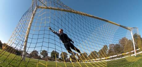 3A: Gouden wissel Max Ukusare brengt SV Waalstad bij top 4 met maximale score