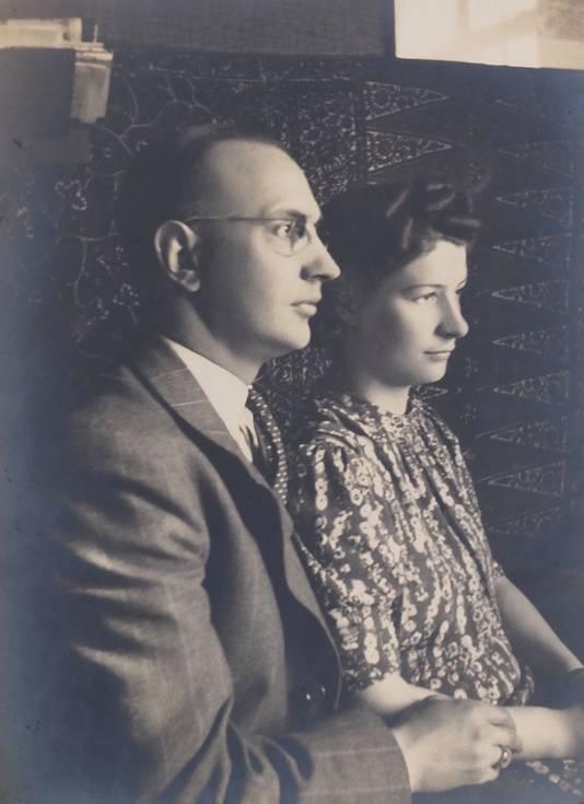 De ouders:  Adrianus en Miep Wolterbeek.