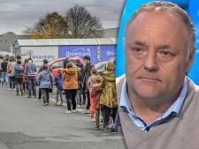 Lange wachtrijen in Belgische winkels: 'Jammer dat sommigen het blijkbaar nog altijd niet begrepen hebben'