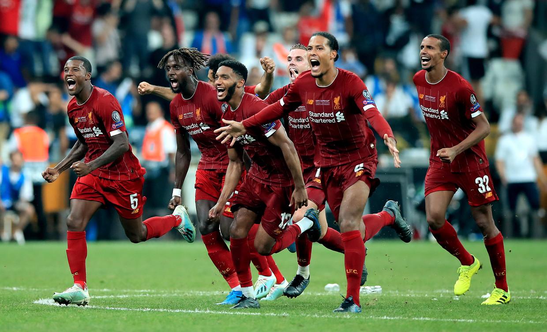 Augustus 2019. Het seizoen begint goed. Liverpool wint na strafschoppen de Europese Super Cup.  Van links naar rechts: Georginio Wijnaldum, Divock Origi, Joe Gomez, Virgil van Dijk en Joel Matip. Beeld BSR