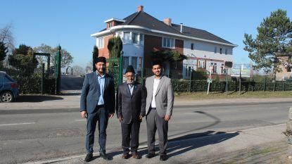 Op de koffie bij de Ahmadiyya Moslimgemeenschap: iedere zaterdag mogen inwoners er discussiëren over het geloof