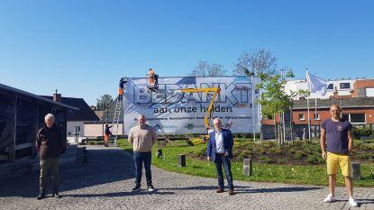 Spandoek van 5 op 12 meter bedankt alle 'Asseneedse helden'