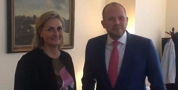 Kathleen Depoorter en Theo Francken kondigden hun komst samen aan via Facebook.