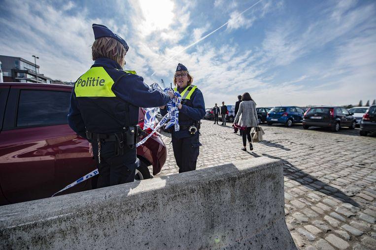 Politieagenten op de locatie waar een Franse Tunesier is aangehouden. Beeld anp