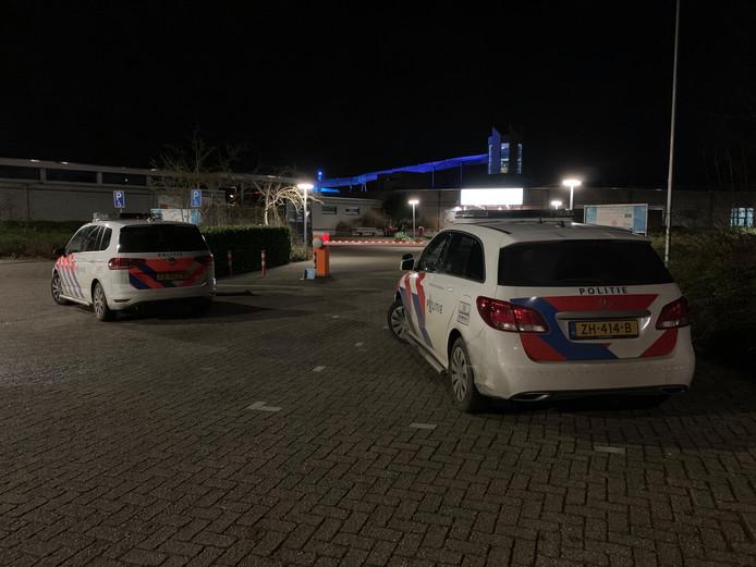 Groep overlast veroorzakende jongeren is het Caribabad uitgezet door de politie.