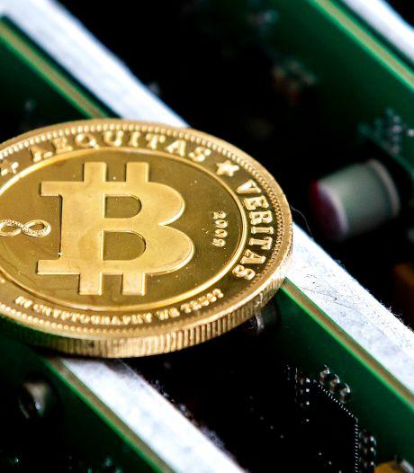 Man dreigt met vuurwapen en eist 500.000 bitcoins (7,5 miljard euro): OM wil 1,5 jaar cel, advocaat ziet geen bewijs
