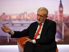 Corbyn: stoppen met bombarderen Syrië