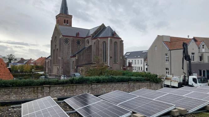 """300 zonnepanelen op 8 gemeentegebouwen: """"Goed voor jaarlijks gebruik van 28 gezinnen"""""""