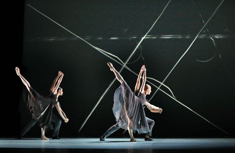 'Petricor' Choreografie Lucinda Childs in het programma 'Moderne meisjes' Beeld Hans Gerritsen