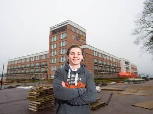 Deze piepjonge Van der Valk (20) opent zijn eigen hotel in Apeldoorn