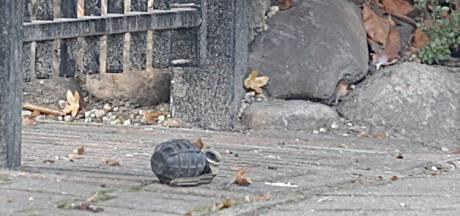 Handgranaat aangetroffen voor woning in Nijverdal