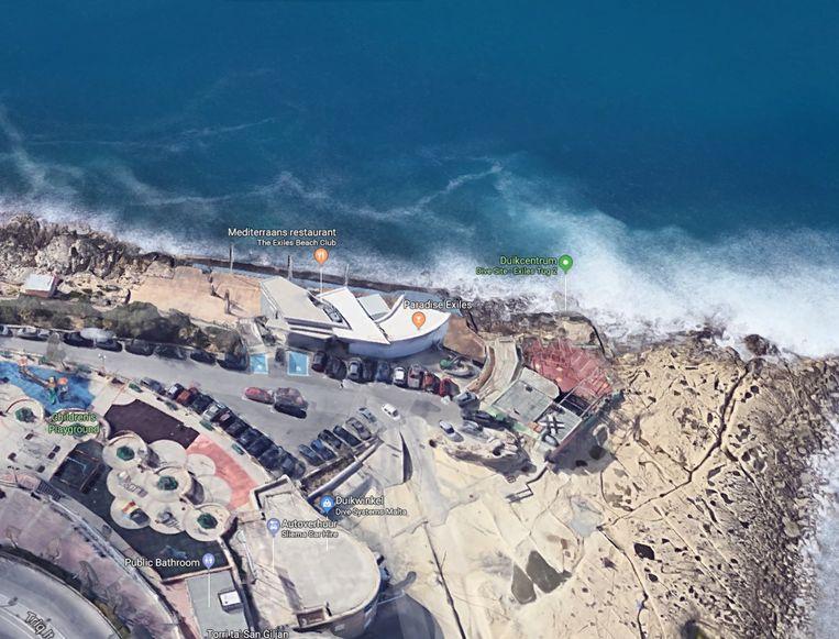 Julien Liégeois raakte al zwemmend in de problemen ter hoogte van de strandclub Exiles Beach op Malta.