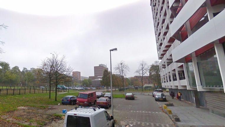 De brand brak uit op de derde etage Beeld Google streetview