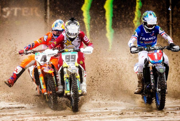 Jeffrey Herlings is moeizaam weg bij de start tijdens de Motocross of Nations in Assen Beeld Jiri Büller / de Volkskrant