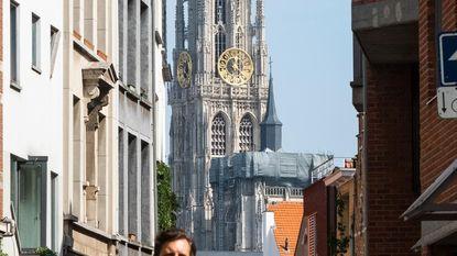 """500 kaarsjes voor """"perfecte gotische toren"""""""