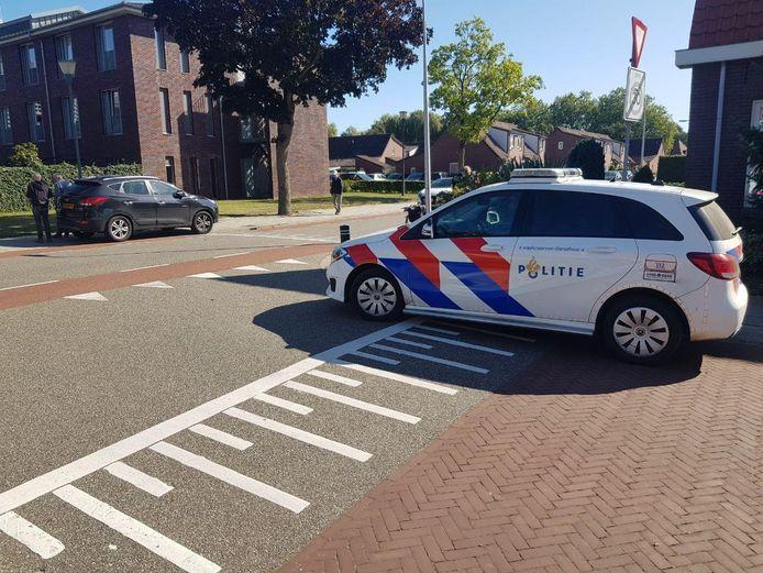 Een 77-jarige fietsster is vrijdagmiddag gewond geraakt bij een ongeval met een auto op de Koningin Wilhelminastraat in Borculo.