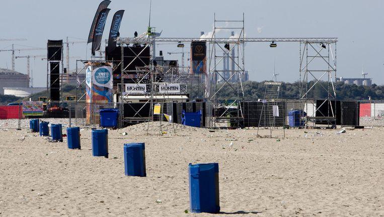 Het festivalterrein van het dansevenement Sunset Grooves op het strand van Hoek van Holland. Foto ANP Beeld
