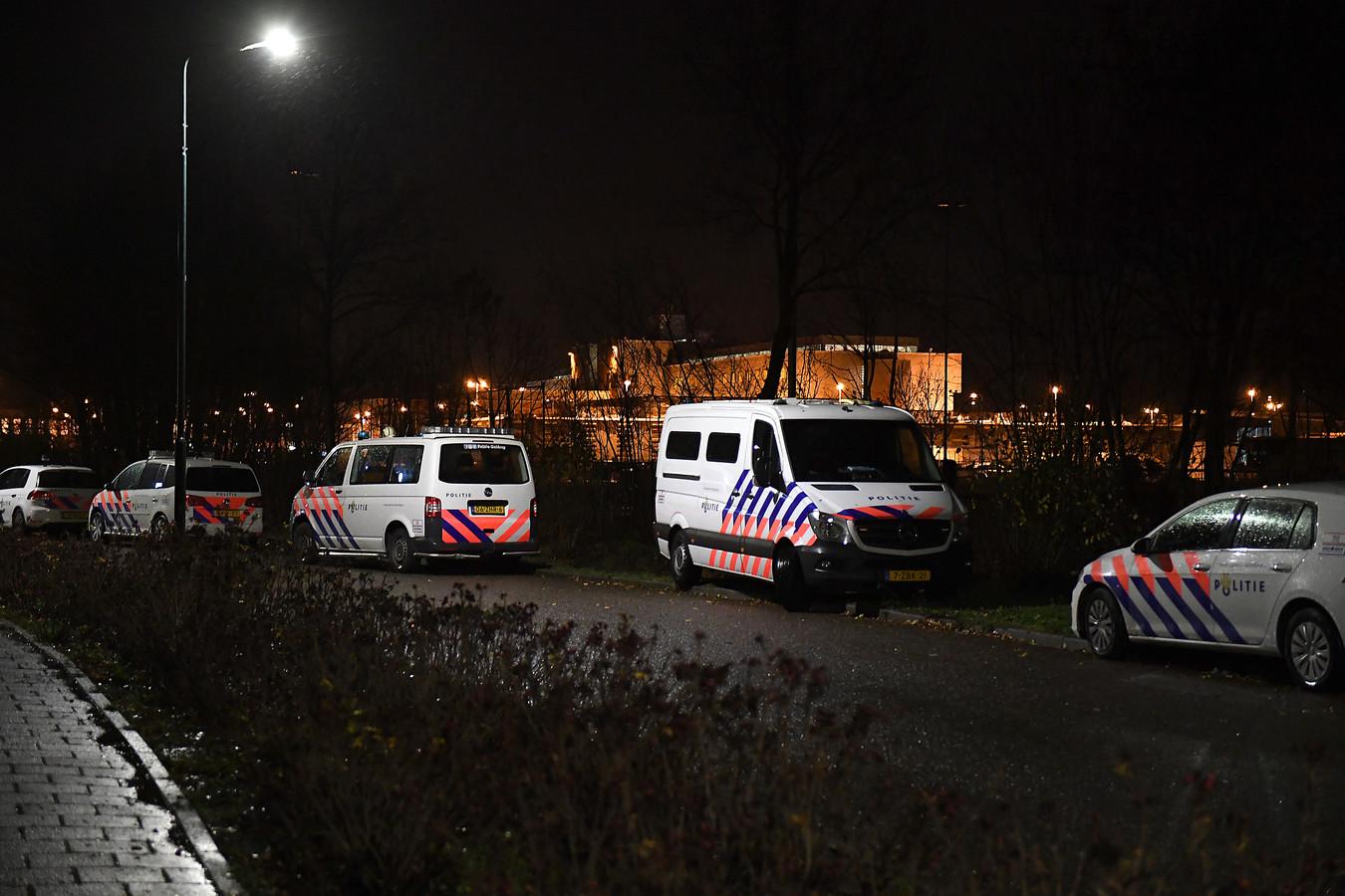 Katwijk: 07-12-2018, DG_FotoDorp in beeld vanwege Project X feest aan de Boggerd.Politie en Gemeente staan op scherp.Foto: Ed van Alem