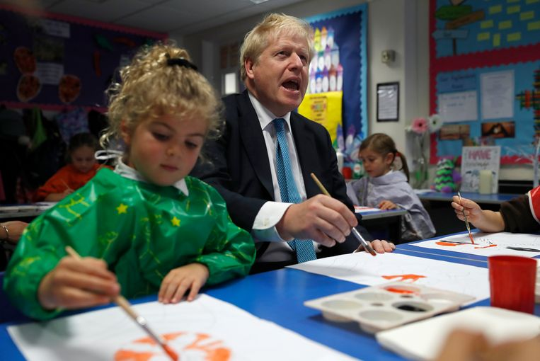 De Britse premier Boris Johnson vandaag op bezoek in een lagere school in Beaconsfield, Engeland.