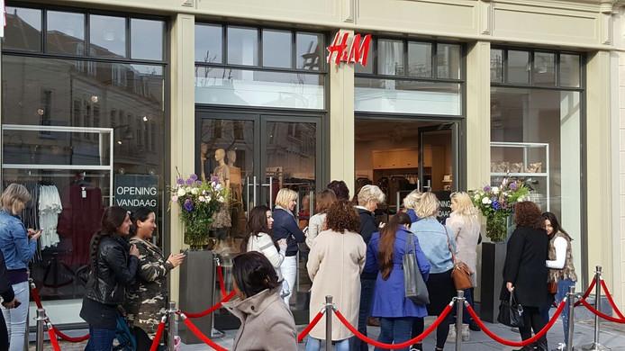 Zwangerschapskleding Vd.Drukte Van Belang Bij Opening Nieuwe H M In Deventer Deventer