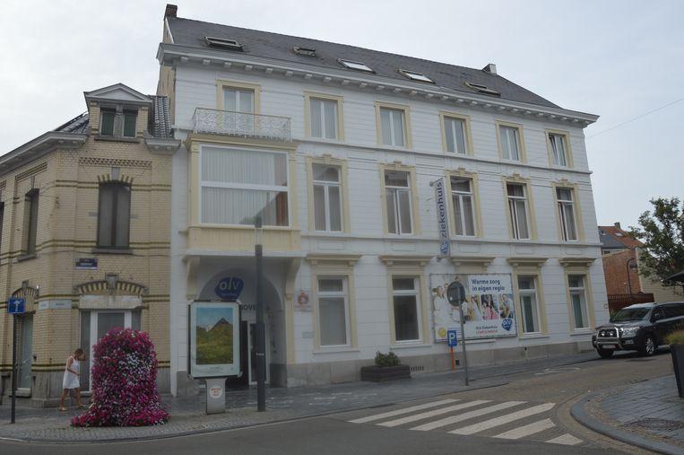 Het huidige OLV-ziekenhuis in de Biezenstraat in Ninove.