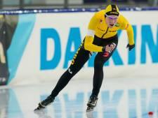 Geëmotioneerde Carlijn Achtereekte uit Lettele bezwijkt onder de druk en grijpt naast WK-tickets op 3000 meter