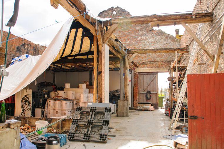 Het merendeel van het puin is ondertussen geruimd. Als een overeenkomst met de verzekering wordt bereikt, kan ook de heropbouw starten.