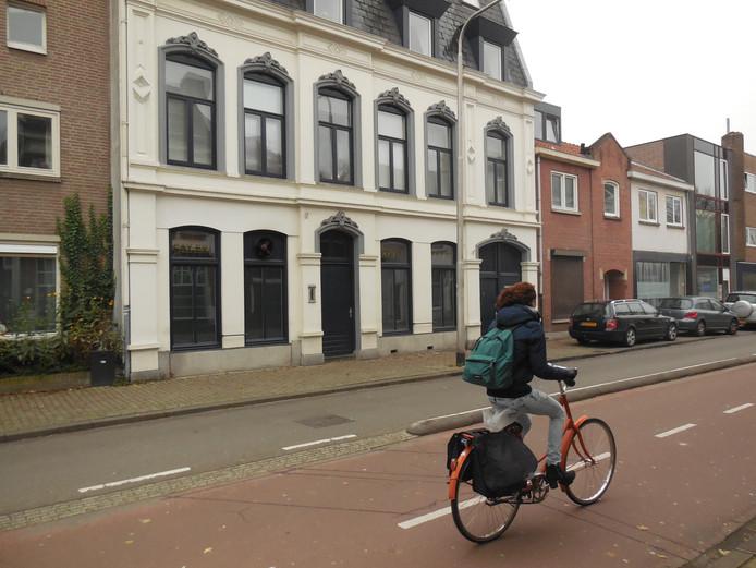 Theehuis Kervay Saray aan de Gasthuisring.