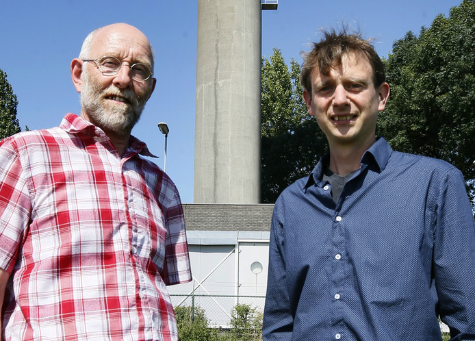 Radarexpert Hidde Leijnse en Kees Lemcke, senior projectleider (rechts)
