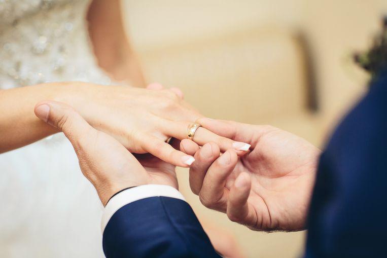 """Sarah en Paul zijn allebei vastbesloten hun huwelijk te doen slagen: """"We weten dat we voor uitdagingen zullen komen te staan en we bekijken ons huwelijk niet door een roze bril. We hebben de wil om er samen uit te komen als er problemen zijn."""""""