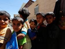 2500 kaarsen op Museumplein voor 'vergeten oorlog' Jemen