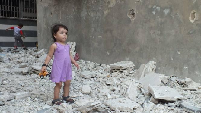 """""""Tienduizenden Syriërs in de val door gevechten"""""""