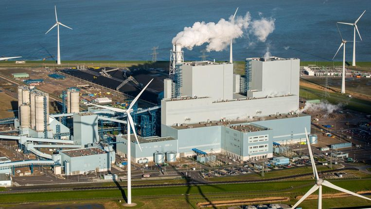 De kolencentrale van RWE/Essent in Eemshaven Beeld anp