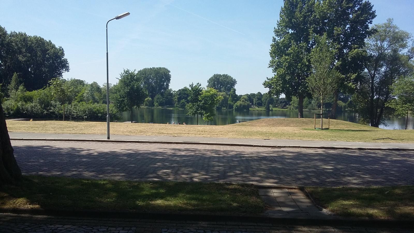 De locatie waar het Brabantbad aan de IJzeren Vrouw in Den Bosch heeft gestaan.