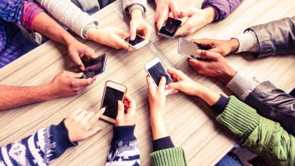 Het hoeft niet altijd een iPhone of  Samsung te zijn. Deze toestellen zijn even straf én goedkoper