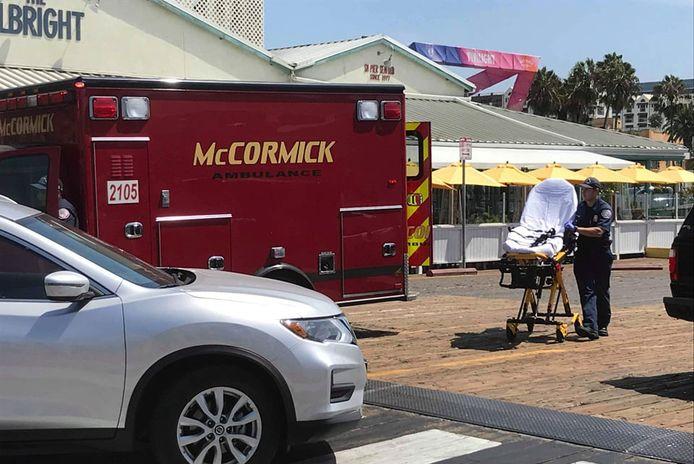 Peter moest met een ziekenwagen afgevoerd worden van de pier in Santa Monica.