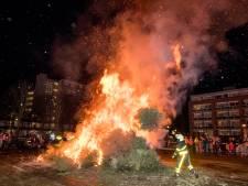 Meer kerstbomen opgehaald in Breda als ze naar de brandstapel gaan